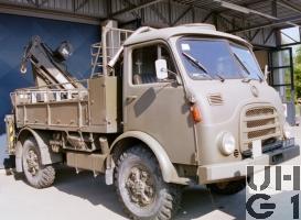 Steyr A 680 g Repw M Flab sch gl 4x4 ohne Verdeck mit Ladekran