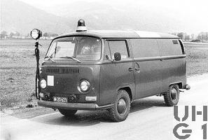VW Transporter Typ 2 T2, Loeschw Pulver 250 kg l 4x2, Foto Armasuisse